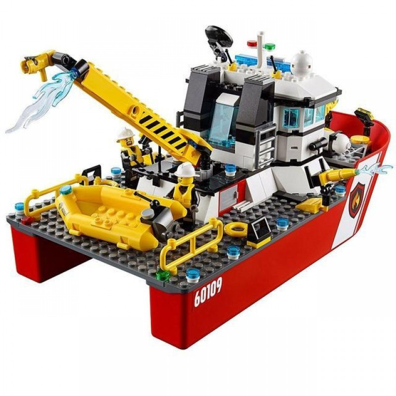 Конструктор Город - Пожарный катер (Bela 10830)